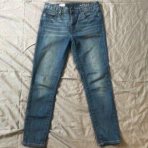 Gap high rise skinny Jean size 29